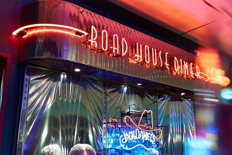 roadhousedowntown01